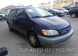 2001 Toyota Sienna Car for Parts