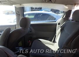 2006 Toyota Sienna Parts Stock# 7110BL