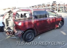 2013 Toyota Sienna Car for Parts