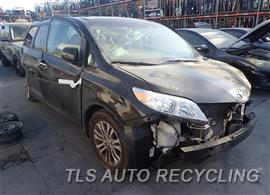 2014 Toyota Sienna Car for Parts