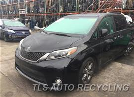 2016 Toyota Sienna Car for Parts