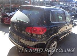 2016 Volkswagen TIGUAN Parts Stock# 8555GR