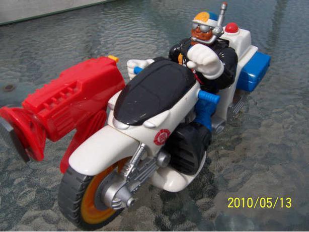 moto rescues Heroes