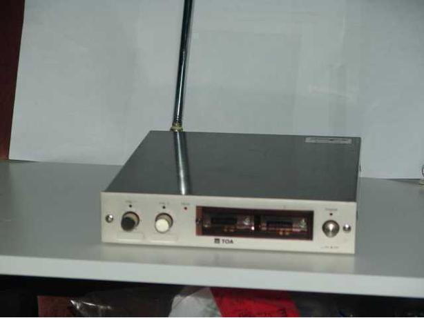 TOA WT-700 Dual Wireless mike receiver