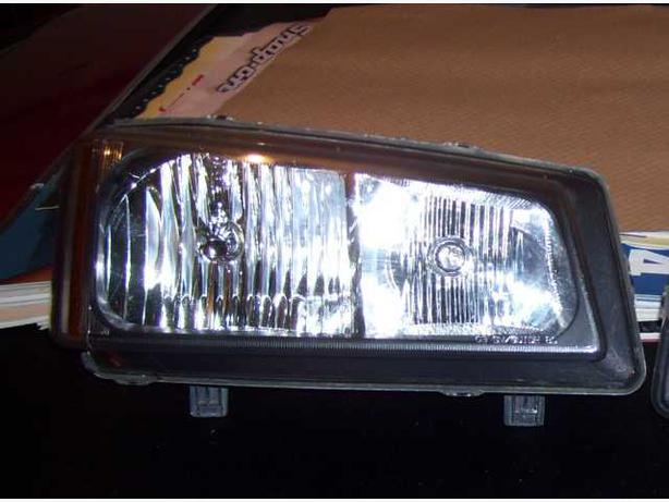 2006 Chevrolet Silverado right head light