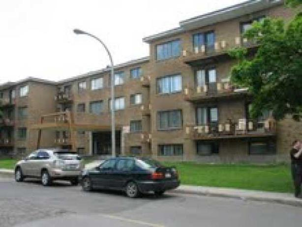 Call now! 3.5 apt only 20 min to downtown Montreal