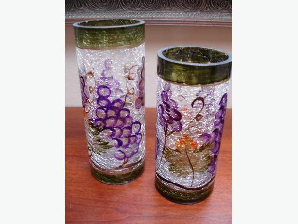 Set of 2 Beautiful Hand Crafted&Painted vases in Cracking Glass Design