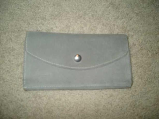 Ladies Wallet - WAS $40 NOW $10