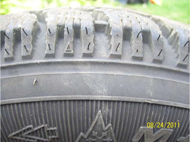 2  13 inch Winter tires Goodyear Nordic 175/70 R13