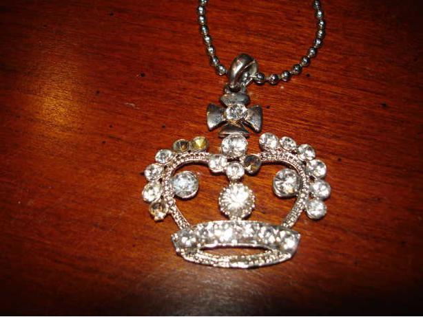 "Nice Rheinstone Crown Pendant with  22"" Chain"