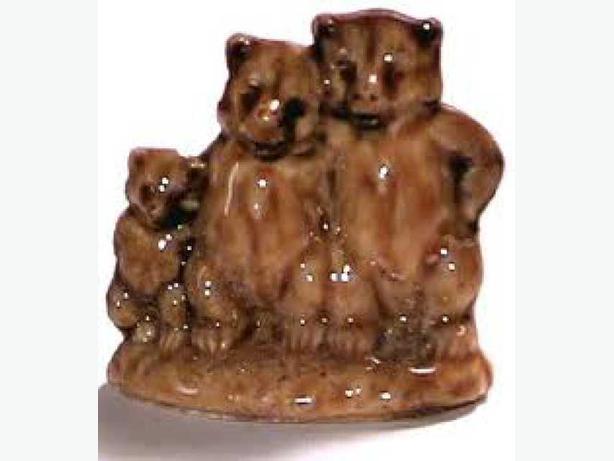 Rare Wade Red Rose Tea Figurine-Three Bears Mint Cond