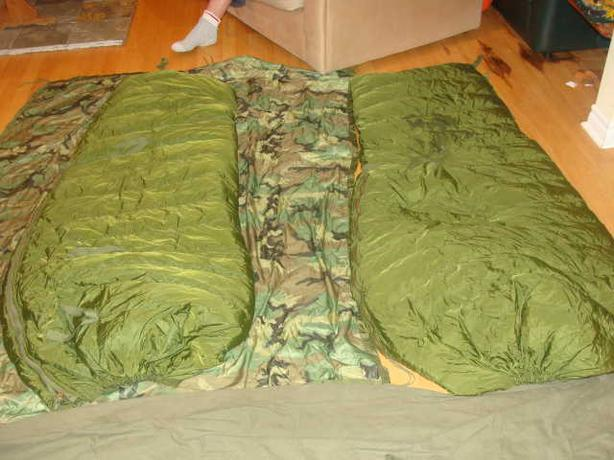 -40 SLEEPING BAG (MILITARY SURPLUS)