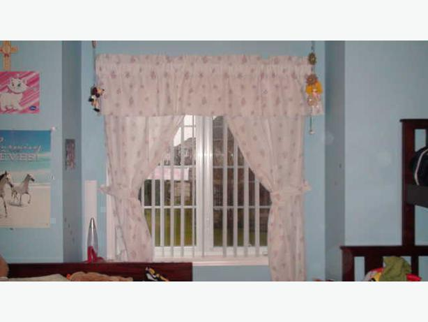 Curtains w/ matching Pillow Shams