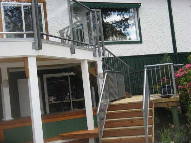 Vinyl Decking, Aluminum Railings