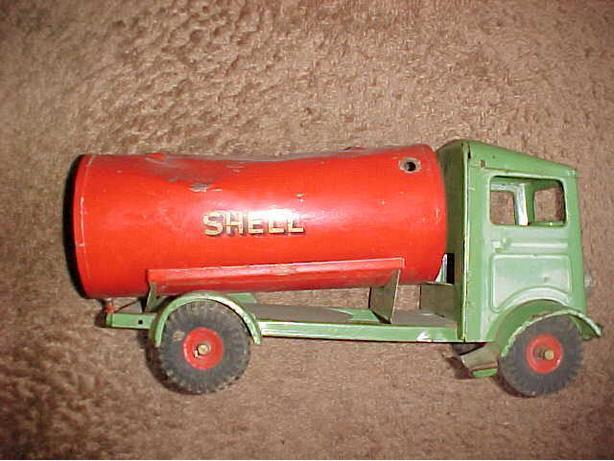 TRIANG SHELL TANKER TRUCK