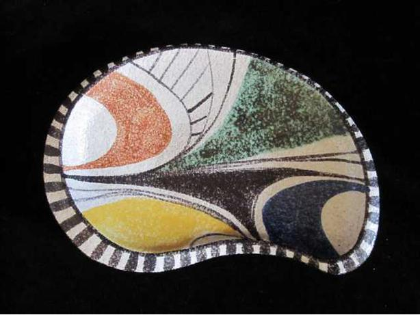 "Mid century modern Rushca ""Deco Echo"" - Milano Series art pottery shallow dish"