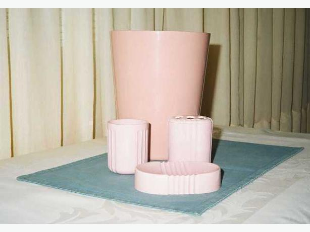 PINK BATHROOM SET