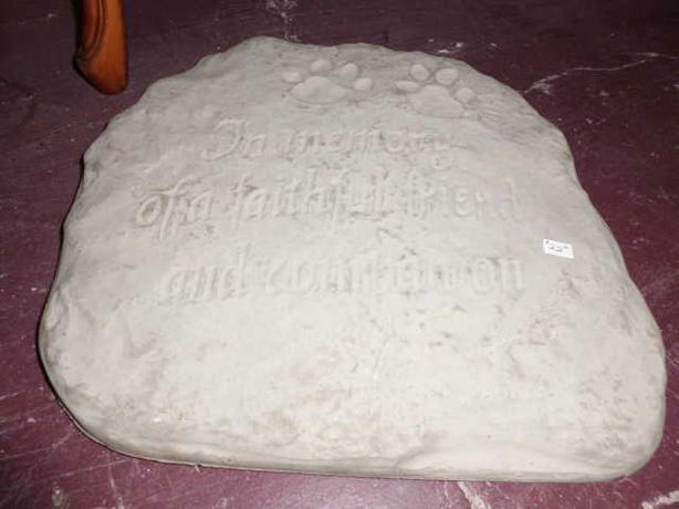 Cement Pet head Stone