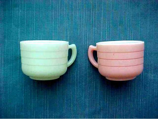 VINTAGE MILK GLASS CHILDREN'S TEA CUPS