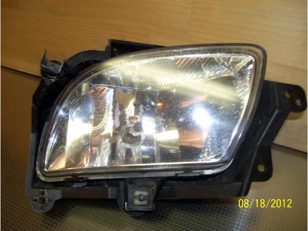 2009 Hyundai Sonata GL right fog lamp