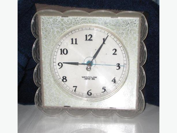 Beautiful WestClox Lighted Clock ~ Excellent Condition $25