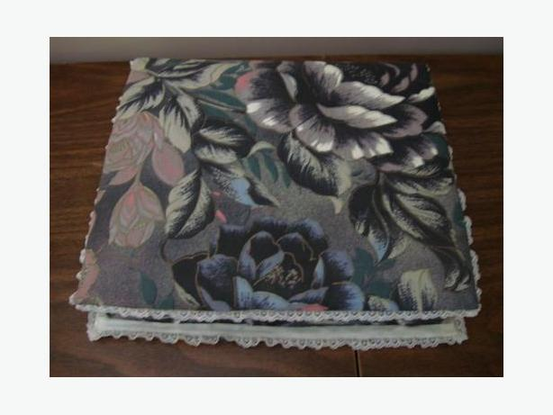 Floral Grey Fabric Jewellry Box with Lace Trim - Excellent Condition $4
