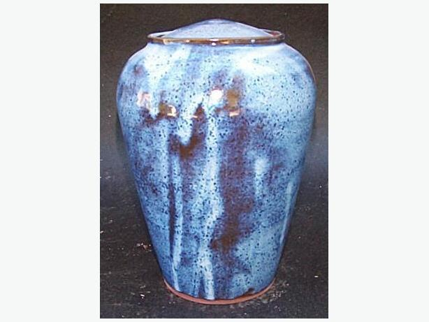 CREMATION URNS MADE BY LOCAL POTTER