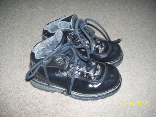 Children's Hiking Boots size 2 1/2 black leather