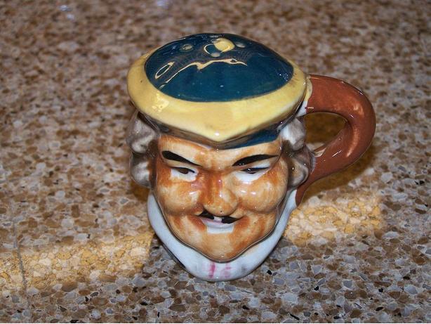 Vintage / antique porcelain pepper shaker
