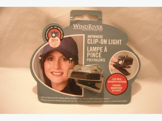 NEW IN BOX - WINDRIVER CLIP-ON LED LIGHT