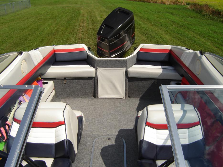 $12,500 · 1990 Bayliner 150 hp Outboard