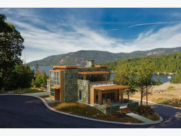 Custom built coastal modern homes ocean mountain for Custom mountain homes