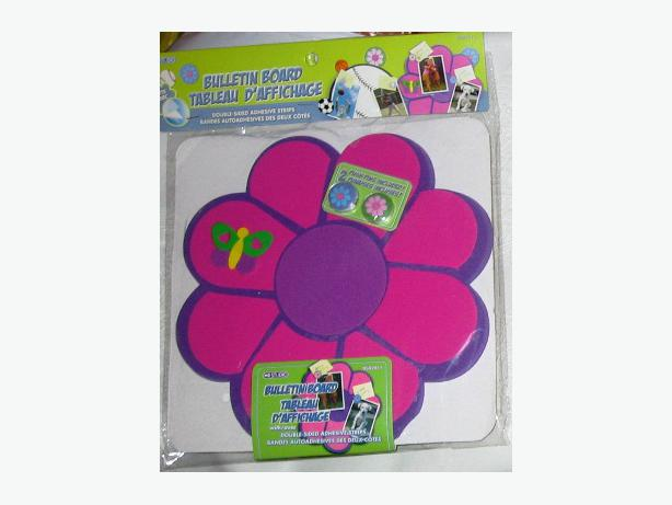 Purple and hot pink flower - shaped foam bulletin board with push pins - new