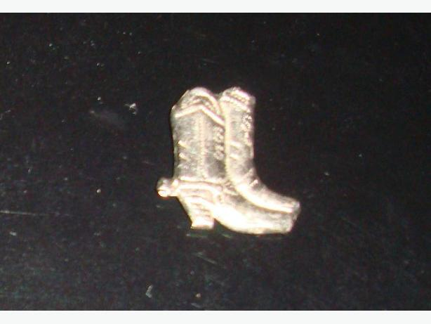 Beautiful Silver Boot Charm Clasp - $5