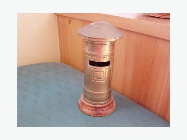 VINTAGE BRASS MODEL ROYAL MAIL POST BOX - MONEY BOX SAVINGS BANK