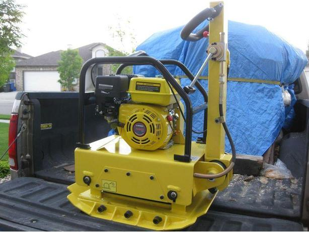 NEW IN THE BOX LONCIN PLATE COMPACTORS MS160....350 LB.