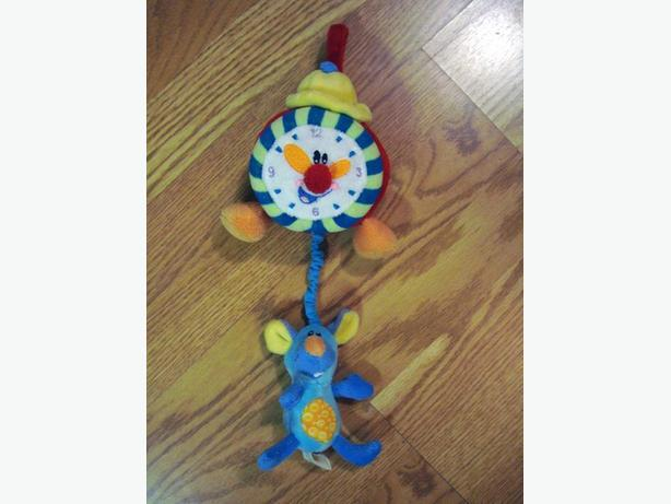 Hickory Dickory Dock Pull Toy Clock - $5