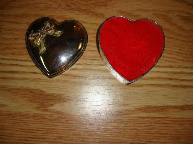 Silver Heart Jewellry Holder - Excellent Condition! $2
