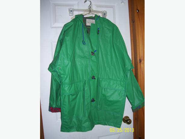 Women's raincoat hooded size 12-14 LIKE NEW