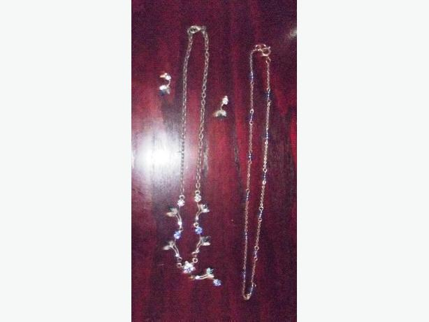 Jewelry, clothes & many household items- sale!