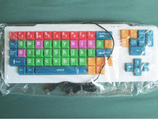 CRAYOLA  EZ  TYPE   KEYBOARD