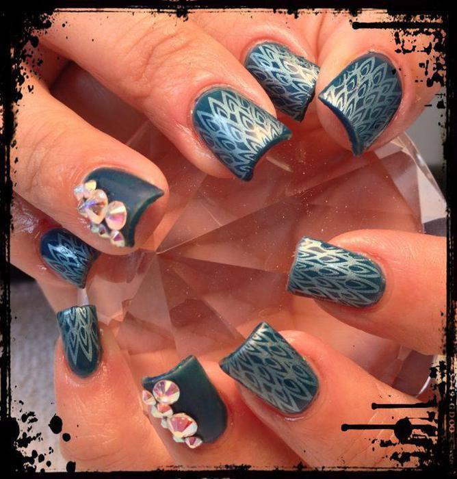 Acrylic Nails Saanich, Victoria