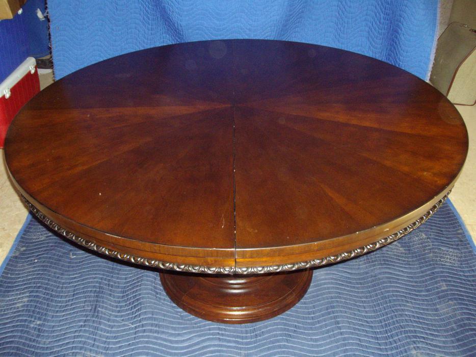 52 inch diameter table esquimalt view royal victoria for Table 52 houston