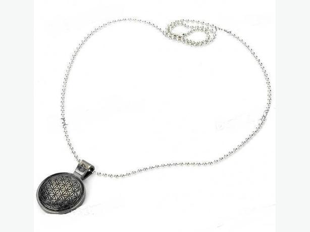 New in Box Power Balance Zinc Alloy Pendant Necklace