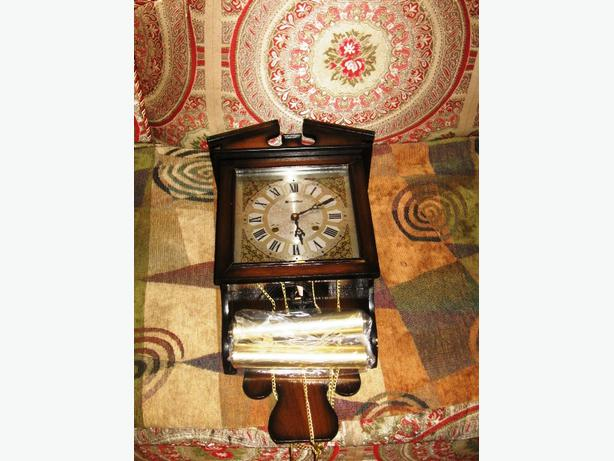 Beautiful Wood Glass 31 Day Chime Wall Clock With Key