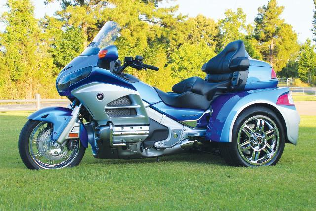 Honda Gl1800 Gold Wing Razor Trike Outside Victoria Victoria