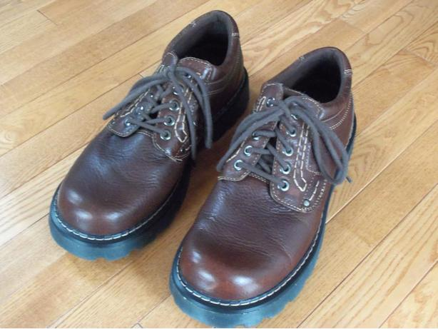 Mens Size 13 All  Leather Shoes
