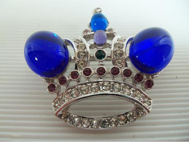 Colourful 'Crown' Broach