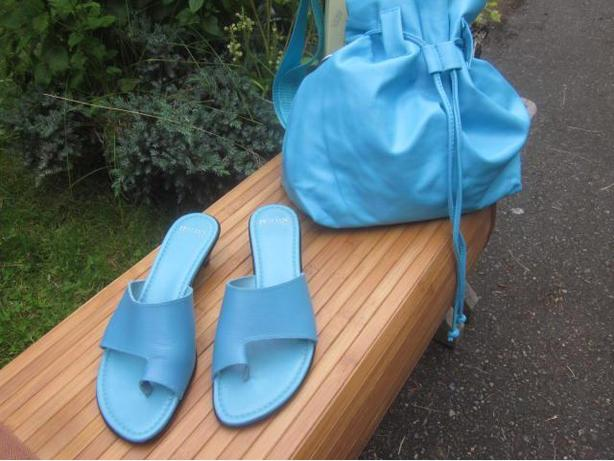 New Ladies Italian Sandals with Handbag