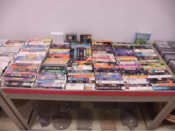 Hundreds of $0.50 VHS Tapes